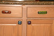 Cabinet Knobs and Drawer Pulls